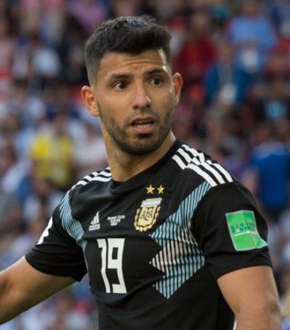 Liga angielska: Aguero przynajmniej na rok w Manchesterze City